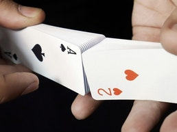 Air Deck 2.0 - The ultimate travel playing cards