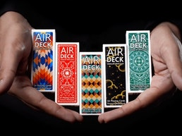 Air Deck 3.0 - Cool playing cards for travelers