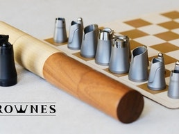Crownes Chess: Compact, portable nesting chess set